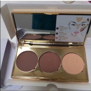 Anthropologie Makeup - 🆕*sealed* contour kit reg$34 Anthropologie